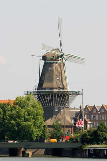 Stock Photo: 1436R-197080 De Gooyer Windmill