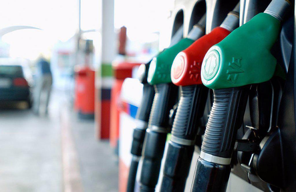 Stock Photo: 1436R-234059 Hypermarket, gas station