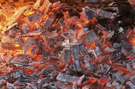 Stock Photo: 1436R-249139 Live coals
