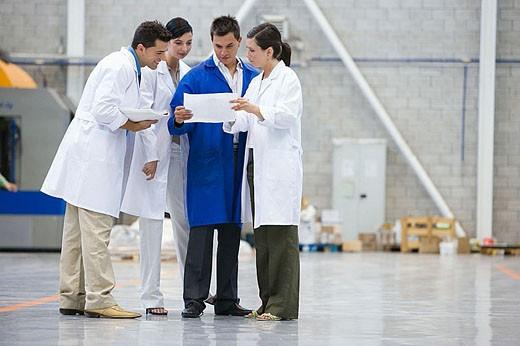 Fatronik Research Centre, San Sebastian Technological Park, Donostia, Gipuzkoa, Basque Country. Technicians in workshop : Stock Photo