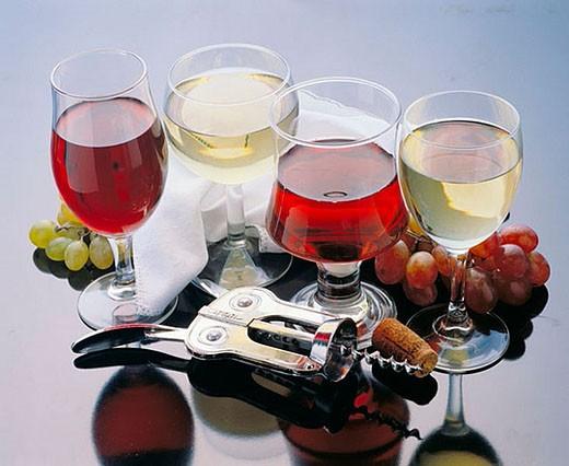 Stock Photo: 1436R-266728 Wine glasses