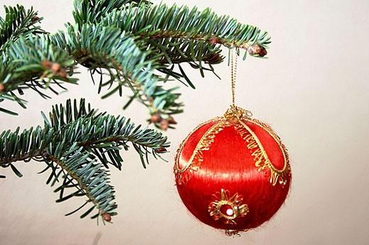 Stock Photo: 1436R-270516 Christmas ball
