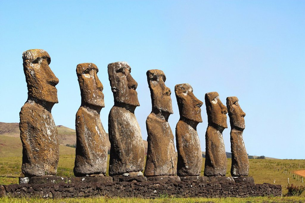 Stock Photo: 1436R-271953 Chile, Easter Island, Rapa Nui, the seven mois of Ahu Akivi represent acording to legend the seven explorers sent by King Matu'a from Hiva