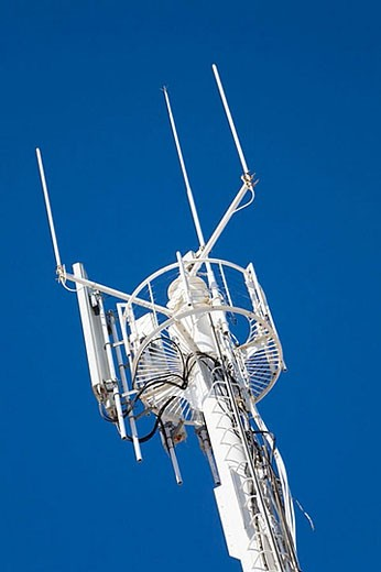 Stock Photo: 1436R-272455 Mobile telephone aerial