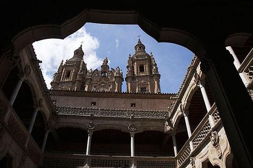 Stock Photo: 1436R-276311 La Clerecía (18ht century baroque Jesuit monastery, now Pontifical University of Salamanca) and Casa de las Conchas, Salamanca. Castilla-León, Spain