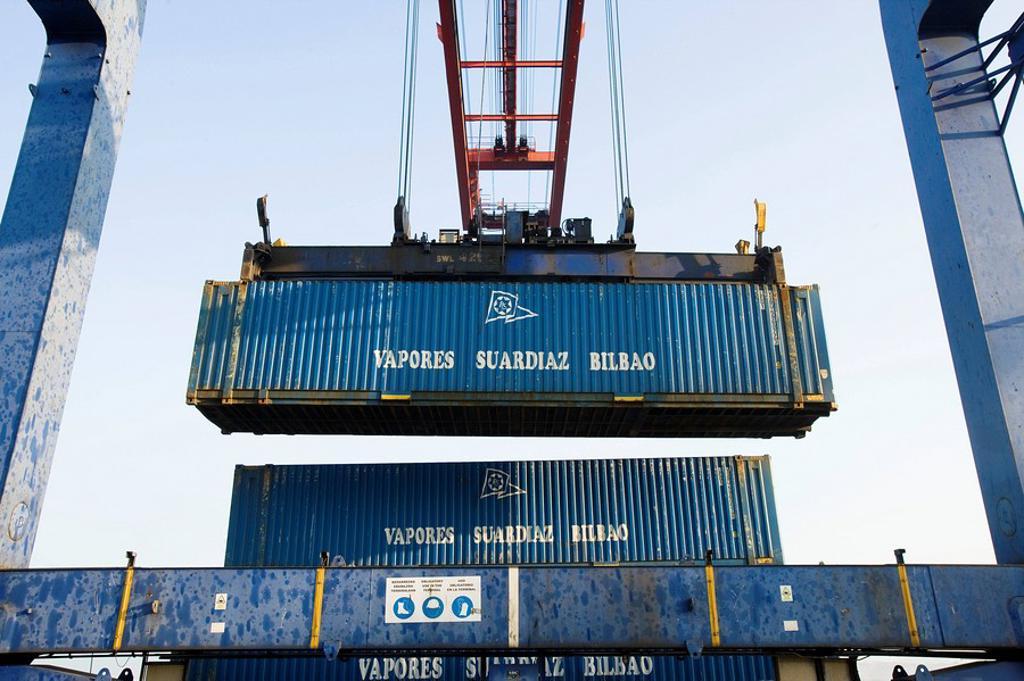 Stock Photo: 1436R-276443 Loading cargo containers in ship, Port of Bilbao, Santurtzi. Biscay, Euskadi, Spain