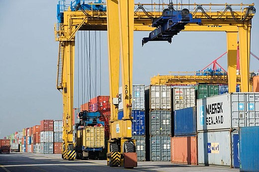 Cargo containers, Port of Bilbao, Santurtzi. Biscay, Euskadi, Spain : Stock Photo