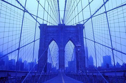 BROOKLYN BRIDGE. DOWNTOWN MANHATTAN. NEW YORK. USA : Stock Photo