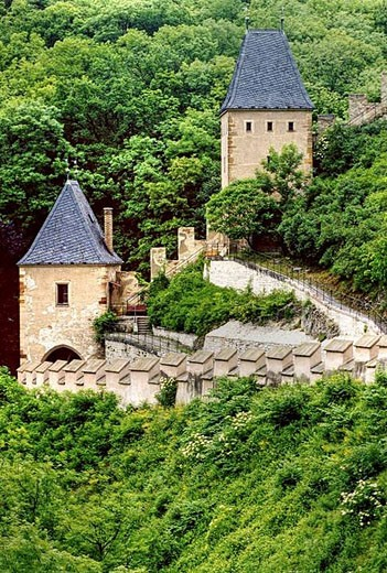 Stock Photo: 1436R-289078 Karlstejn Castle near Prague, Czech Republic