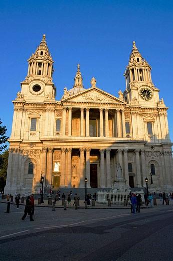 Stock Photo: 1436R-292367 Europe, UK, england, London, st pauls, 2008