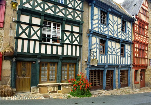 Stock Photo: 1436R-297426 wooden houses.Tréguier (Breton: Landreger) is a port town in the Côtes-d´Armor department in Bretagne in northwestern France.