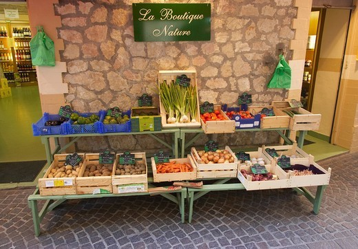Market stall epicerie grocery shop in the old quarter of the town of Vence côte d´Azur France Europe : Stock Photo