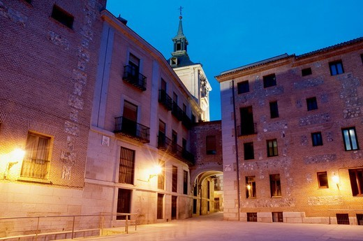 Stock Photo: 1436R-303677 Madrid street at night  Madrid, Spain