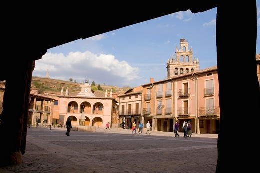 Main Square viewed from the arcade  Ayllón, Segovia province, Castilla León, Spain : Stock Photo