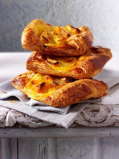 Stock Photo: 1436R-304481 Apricot Danish pastry