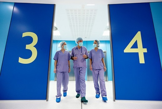Stock Photo: 1436R-306165 Surgeons, surgical block. Hospital Policlinica Gipuzkoa, San Sebastian, Donostia, Euskadi, Spain