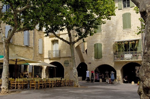 Place aux Herbes square, Uzes. Gard, Languedoc-Roussillon, France : Stock Photo