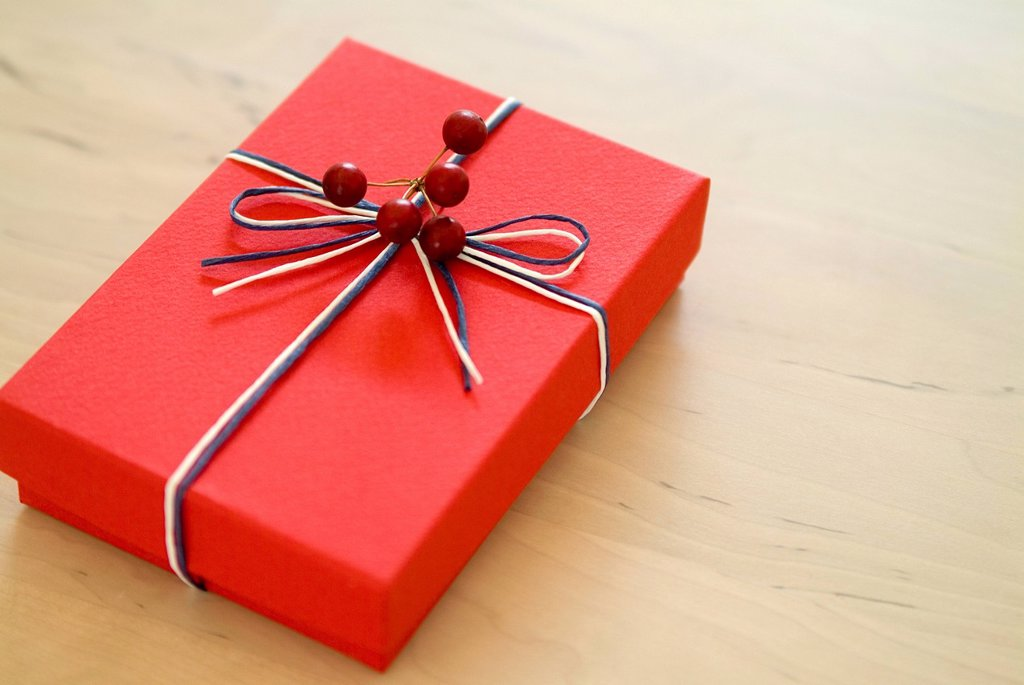 Stock Photo: 1436R-328204 Christmas present