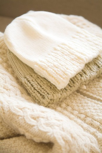 Stock Photo: 1436R-331150 Knit hats and sweater