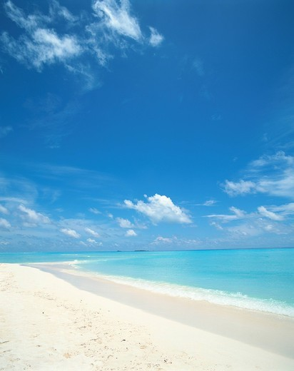 Stock Photo: 1436R-336102 Placid seascape in Maldives