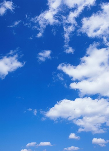 Stock Photo: 1436R-341365 Humilis and Fractus clouds