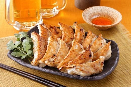 Stock Photo: 1436R-344776 Gyoza