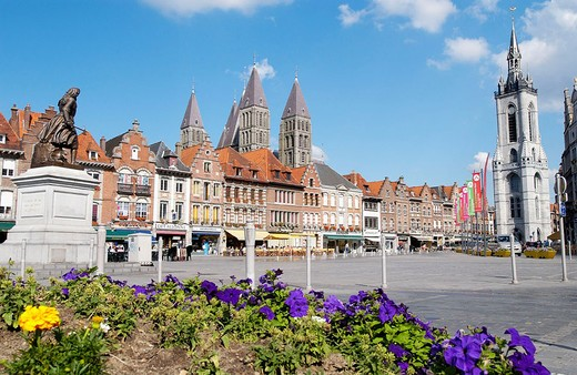 Grand Place with the statue of Christine de Lalaing on the left. Tournai. Hainaut, Belgium : Stock Photo