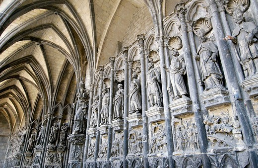 Stock Photo: 1436R-348780 Notre Dame cathedral. Tournai. Hainaut, Belgium