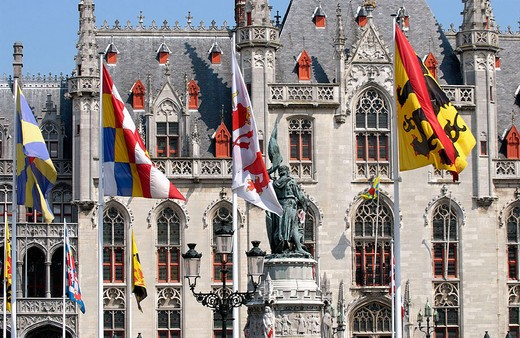 Landhuis, Provincial Government palace and monument to Jan Breydel and Pieter de Coninck in the Markt (Market Square). Brugge. Flanders, Belgium : Stock Photo
