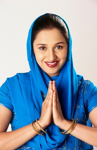 Indian Sikh Punjabi women saying welcome. : Stock Photo