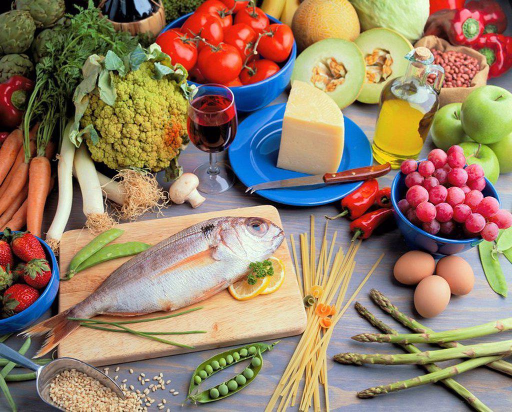 Stock Photo: 1436R-355110 Mediterranean diet