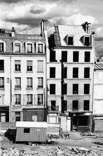 Stock Photo: 1436R-426607 Demolished buildings in Paris, France