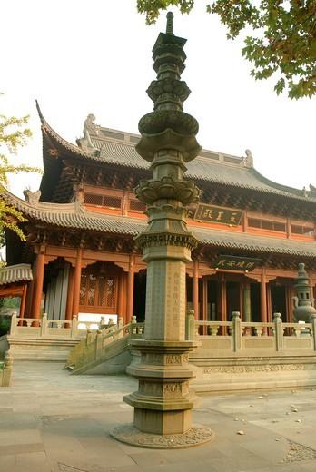 Stock Photo: 1436R-427165 China. Hangzhou. Qianwang Temple