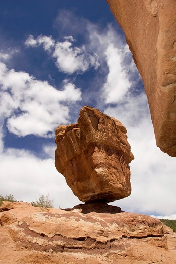 Stock Photo: 1436R-428893 Balanced Rock - Garden of the Gods Park - Colorado Springs, Colorado