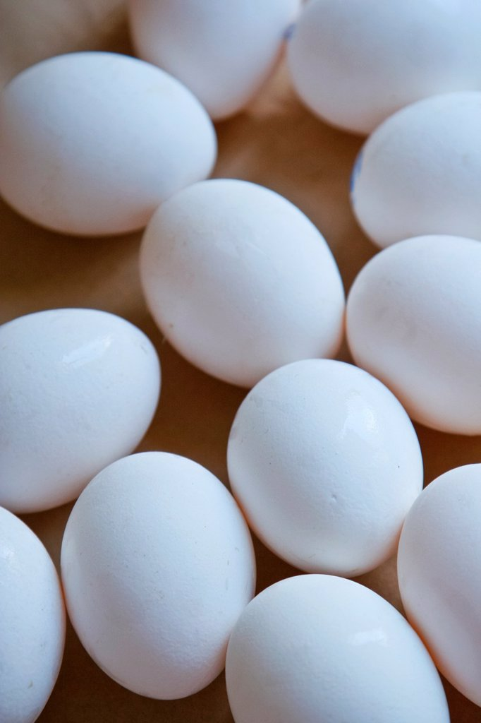 Stock Photo: 1436R-438858 close up of Eggs in tray