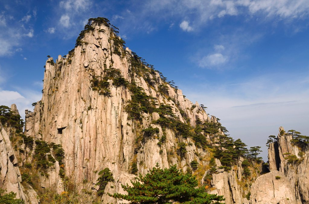 Weathered Granite of Beginning to Believe Peak at East Sea area of Huangshan mountain China : Stock Photo