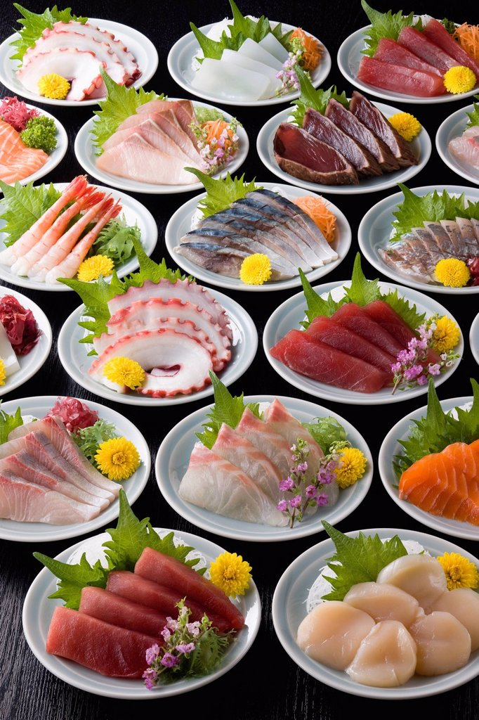 Stock Photo: 1436R-441758 Various Sashimi on Plate