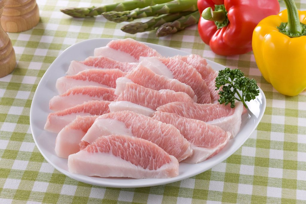 Stock Photo: 1436R-442645 Sliced Fatty Pork