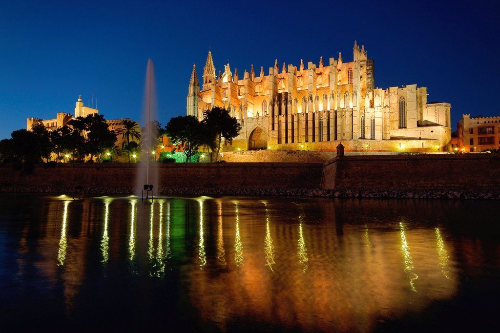 Stock Photo: 1436R-443102 Catedral de Palma La Seus XIV-XVI Palma Mallorca Baleares España