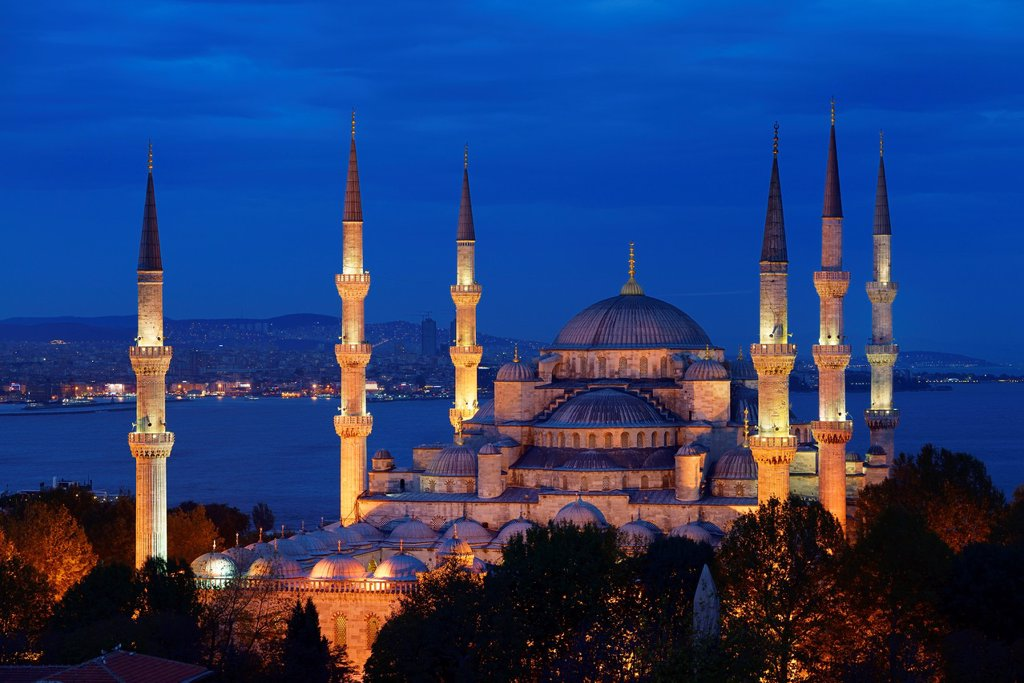 Blue Mosque with lights at dusk on the Bosphorus Sultanahmet Istanbul Turkey : Stock Photo
