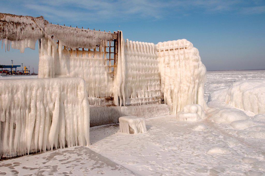 Icy pier, frozen Black Sea, a rare phenomenon, last time it occured in 1977, Odessa, Ukraine, Eastern Europe : Stock Photo