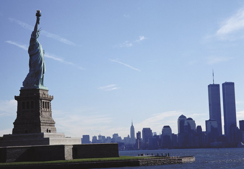 Stock Photo: 1439R-08422 Statue of Liberty with view of Manhattan