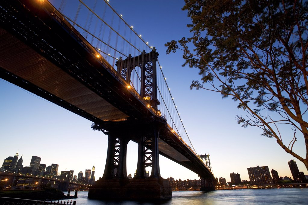 Manhattan bridge in the evening : Stock Photo