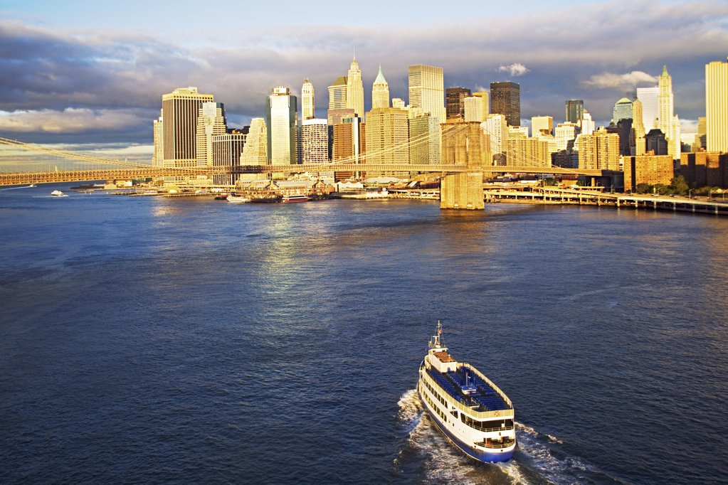 Stock Photo: 1439R-1006486 Ferry approaching new york