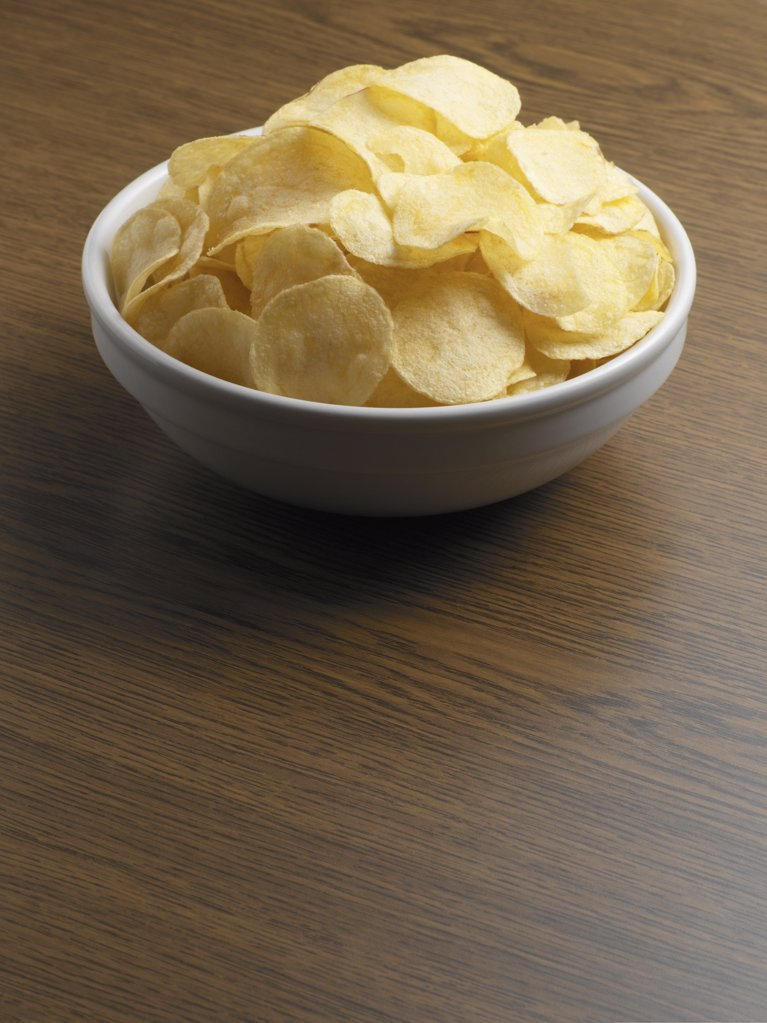Stock Photo: 1439R-1008973 Bowl of crisps
