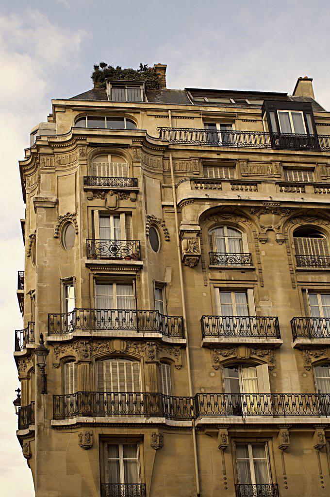Stock Photo: 1439R-1010229 Paris apartments
