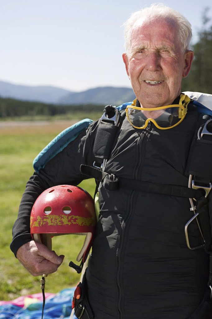 Stock Photo: 1439R-1029389 Senior adult parachutist