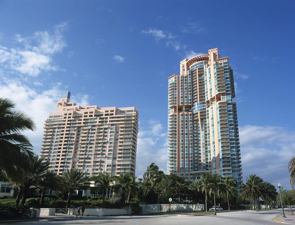 Stock Photo: 1439R-1048493 Art deco buildings in south beach