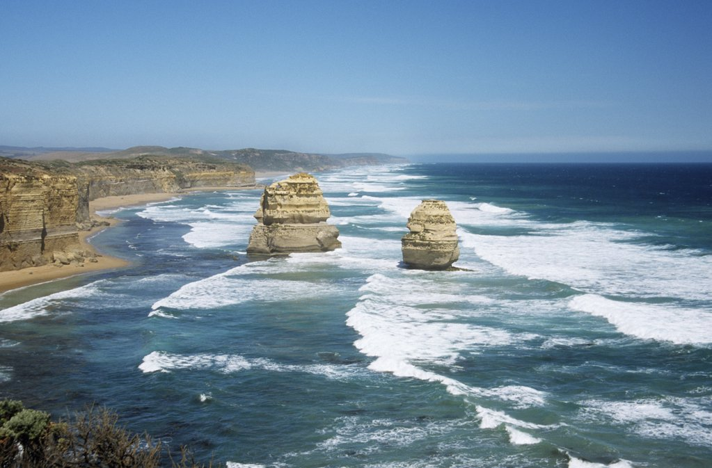 Stock Photo: 1439R-1051808 Rocks of the great ocean road