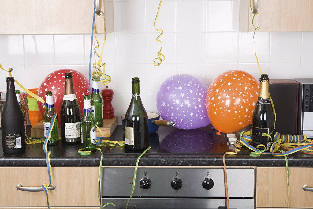 Stock Photo: 1439R-1082059 Party aftermath